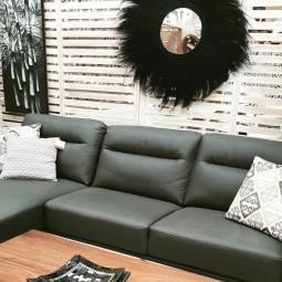 Sofas / Armchairs